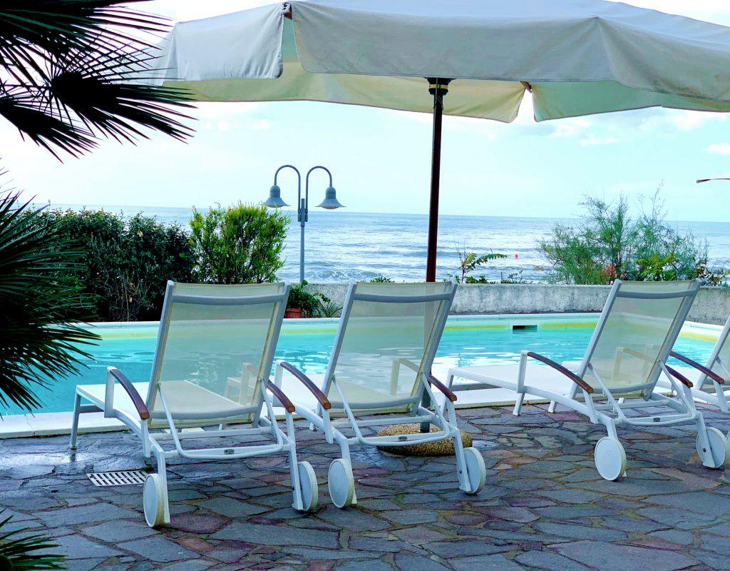 piccolo-hotel-con-piscina-vista-mare-castiglione-della-pescaia-8